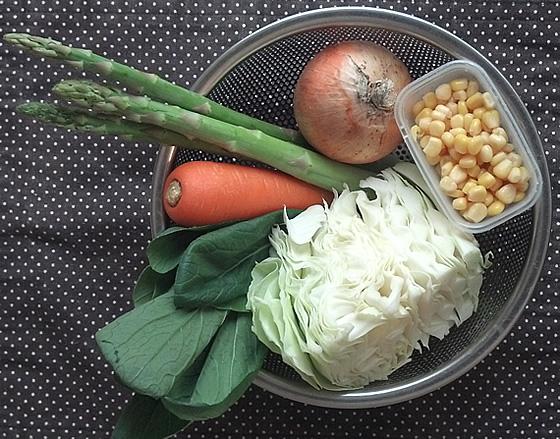 アスパラガスと野菜ラーメンの調理前写真
